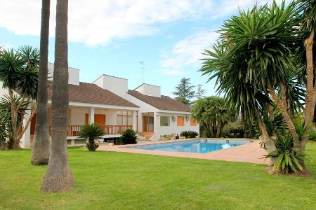 Villa grande agradável zona residencial, perto de Valencia