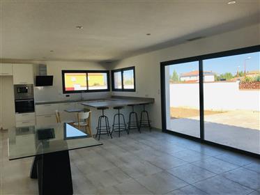 Lumineuse villa 4 faces lot residentiel