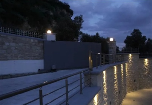 Πολυτελής βίλα 320τμ προς πώληση στο Ηράκλειο Κρήτης, περιοχή Βούτες
