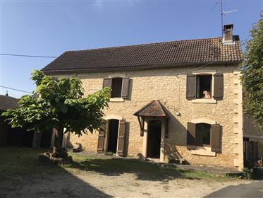 Maison de hameau, grange et dépendance.