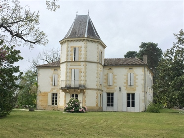 This beautiful château sits in 40 hectares of land only 20 m...