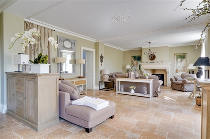 Exceptional viticole property with strong emphasis on oenotourism and receptions in the beautifully