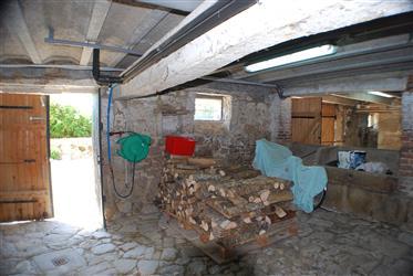 Un fienile dell'Alvernia completamente rinnovato su un terreno di 4.663 m2.