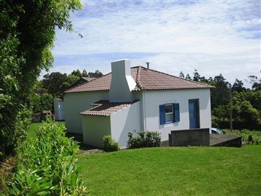 Casa de férias e casa de campo com incrível vista para o ma...