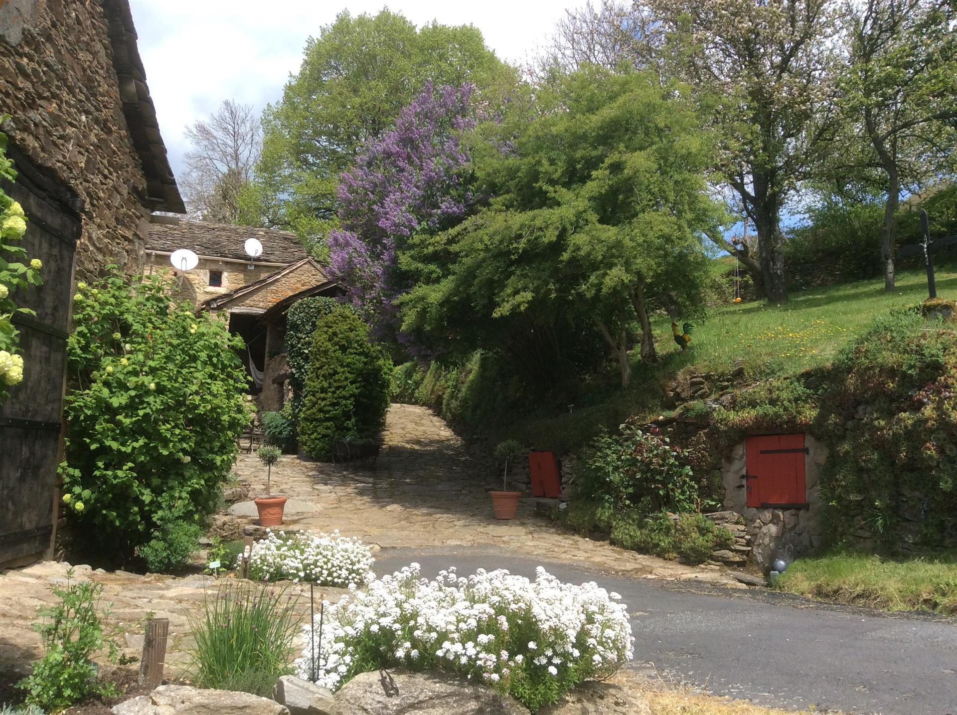 Maison De Campagne A Vendre Dans Le Departement Aveyron Et P