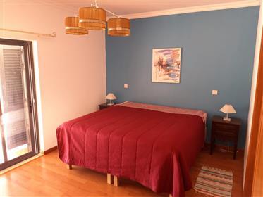 Apartamento T4, Piscina.
