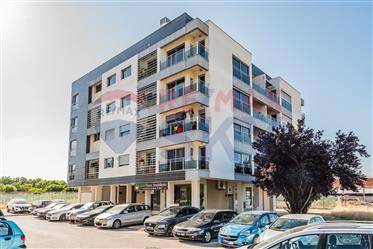 Apartamento T3 com Parqueamento como novo