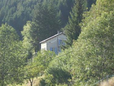 "Traditionele woning in ""Parc Naturel Regional des Monts d' A..."