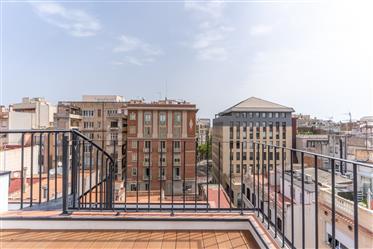 Excelente ático tríplex en venta al lado de Paseo de Gracia, Barcelona