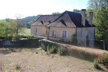 Maison : 140 m²