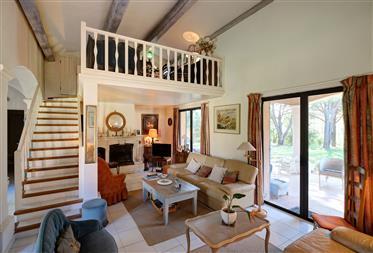 Vivenda: 205 m²