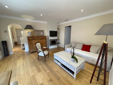 Spacious one bedroom appartment a stone's throw from the place des lices