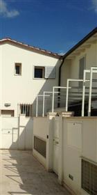 Vendesi Appartamento Con Garage E  Terrazza Coperta