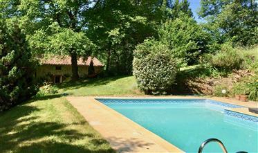 Belle ferme rénovée avec piscine