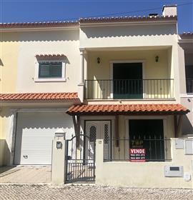 Moradia V3 em Samora Correia - 227.000€