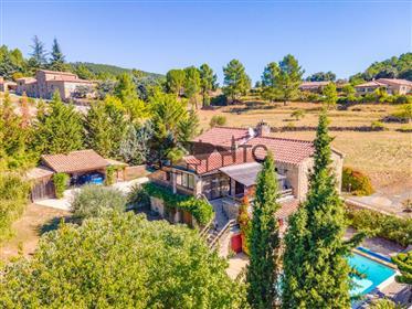 .Superbe Mas Provençal Du Xviiieme 2070M² De Terrain