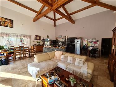 Villa De Plain Pied Avec Piscine Sur 1500M² De Terrain