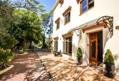 """""""Finca"""" completely renovated in 2017 using high quality materials and maintaining the rust"""