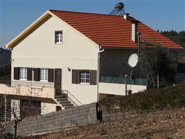 Vivenda: 297 m²