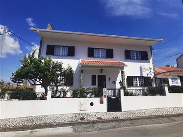 Fantastique villa de 3 chambres à Guizanderia-Carregado