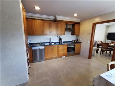 Fantastic 5 bedroom villa in Runa with 348m2