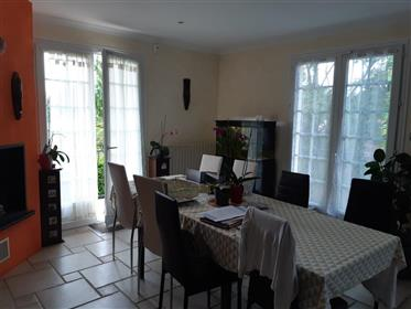 Near Saintes for sale house on basement 5 bedrooms