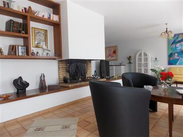 Vivenda: 162 m²