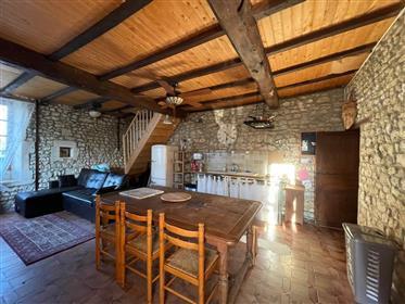Sud de Pons, Maison Charentaise 3 chambres et jardin.