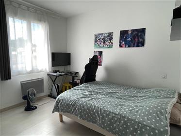 Saintes A Vendre Maison De Plain Pied 3 Chambres Garage Jardin Piscine