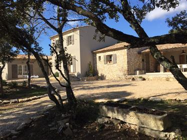 Modern house for sale in Bonnieux with a planted garden and ...