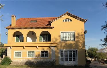 Εξοχικό σπίτι, αγρόκτημα και ξενώνας