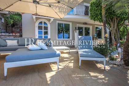 Luxuriously appointed property looking over the bay to Monaco