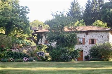 Propriedade tranquila na França rural