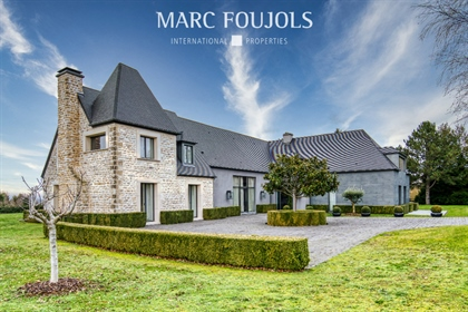 Exceptional architect property 30 kilometers from Paris