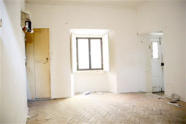 Κατοικία : 255 τ.μ.