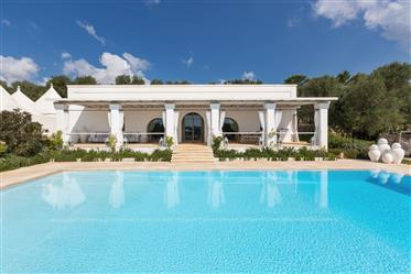 Dimora di lusso con piscina