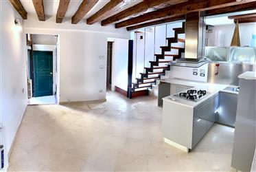 Appartamento su  2 piani con ingresso indipendente