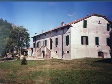 Aircraft for sale-old hunting grounds of Pico della Mirandol...