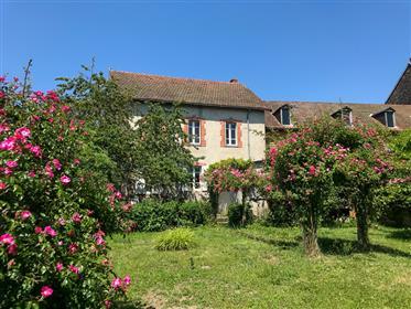 Grande maison à vendre dans village, 11 pieces, Puy-de-Dome, Auvergne