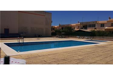 T2 +1 Duplex - Condomínio com piscina e garagem