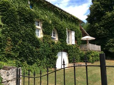 Belle maison familiale avec potentiel et jardin