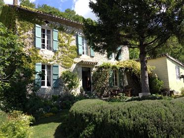 Old presbytery charming house with tree-lined garden and dom...