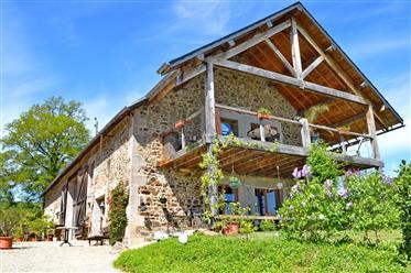 Charmantes Haus, 5 gites,  Gästezimmer, beheizter Pool, fantastische Lage, komplett renoviert