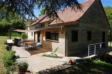 Casa con ampio garage