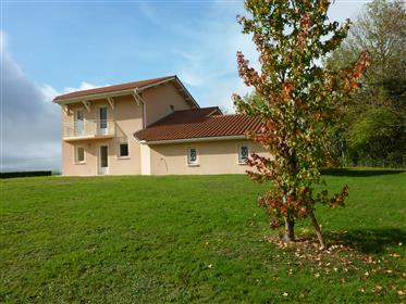 Casa/Villa 145M2-garage 70M2 terreno 1810M2