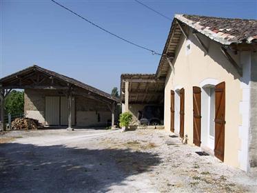Complexo imobiliário de 4 prédios sem obras Dpe B55