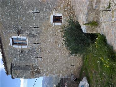 Ενισχυμένο σπίτι του 18ου αιώνα στη Μάνη