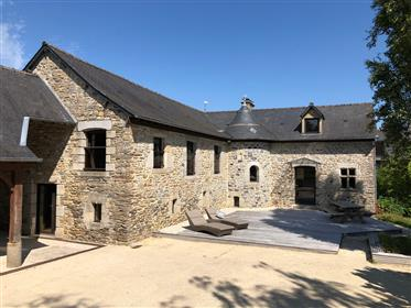 Charming, renovated property in Brittany