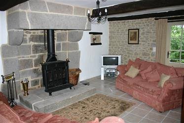 Cottage in pietra completamente ristrutturato e ammodernato
