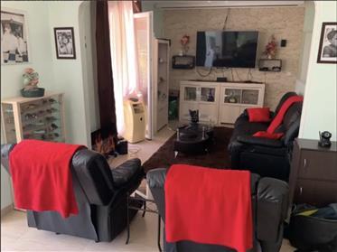 Πώληση σπίτι/βίλα 210 m2 Άγιος Άουμπαν